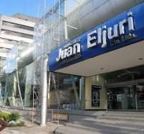 Incendio consumió toda la mercadería en bodega de Juan Eljuri, en Cuenca