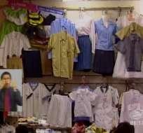 Centro de Guayaquil aglomerado por padres que buscan uniformes escolares