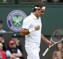 Djokovic arrolla, Federer sufre y Sharapova tropieza en Wimbledon