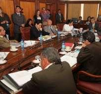 En medio de un incidente verbal, Corte analiza Código de la Democracia