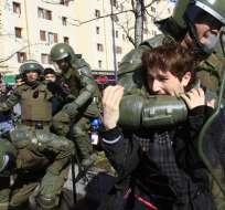 Violentos disturbios en protesta de estudiantes no autorizada en Chile