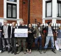 Londres dice que la decisión sobre Assange 'no variará' su postura