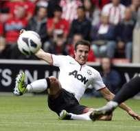 Triplete Van Persie salva al Manchester United ante el Southaptom