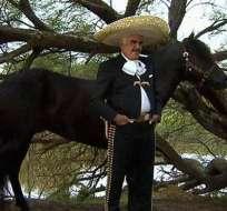 Vicente Fernández lanza su nuevo videoclip de 'Cuando manda el corazón'