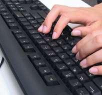 La RAE se llena de tuits en la presentación del manual 'Escribir en internet'