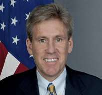 Clinton anuncia investigación de la muerte del embajador de EE.UU. en Libia