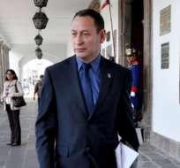 César Carrión sigue esperando que se firme el decreto con su baja