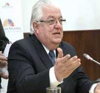 Cordero asegura que prepara respuesta al presidente Correa