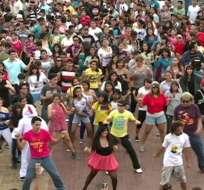 El 'Gangnam Style' causó furor con el flashmob más grande de Guayaquil