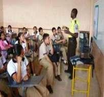 Mayor vigilancia para los colegios solicitan autoridades