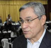 Presidente del CNE dice ahora que no se regularán las redes sociales