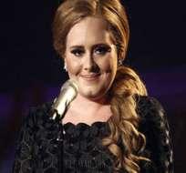 Adele es madre de un niño