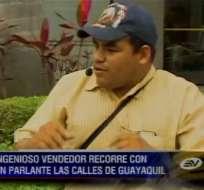 Santiago Veliz cambió la mecánica automotriz para vender en un bus