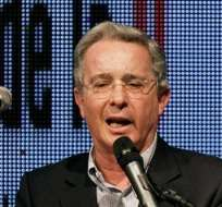 Santos revela que Uribe también intentó diálogos de paz con las FARC