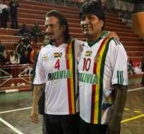Evo Morales pide a Sean Penn que respalde masticado de la hoja de coca