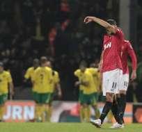 El United tropieza ante un valiente Norwich y cede el liderato al City