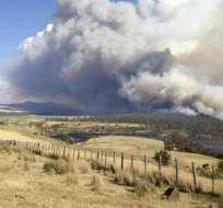 Un centenar desaparecidos por incendios de Australia