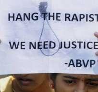 Padre de estudiante india violada pide pena de muerte para culpables