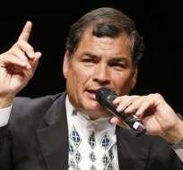 Correa expresa su apoyo a Chávez y dice que no se detendrá la revolución