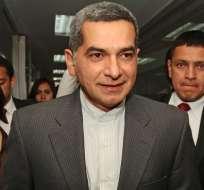 Fernando Alvarado hace compromisos ante el CNE