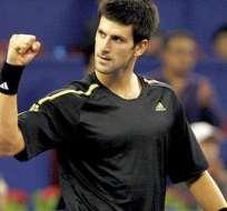 """Djokovic comienza duro y Sharapova se hace especialista en """"bicicletas"""""""
