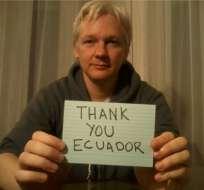 Artistas suizos obtienen fotos de Assange dentro de la embajada