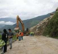 Vía Loja - Zamora continúa cerrada por deslave