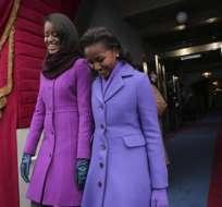 Malia y Sasha Obama lucen en el Capitolio abrigos combinados en tonos violeta