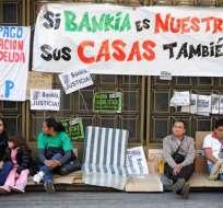 Ecuatorianos acampan desde octubre en Madrid contra ley hipotecaria española