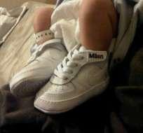 Gerard Piqué colgó en Twitter una foto con los pies de su bebé