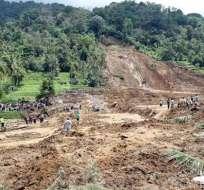 Once muertos y 19 desaparecidos por deslaves en Indonesia