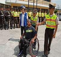 Si tiene alguna discapacidad comuníquese con el 115 y 911 para sufragar