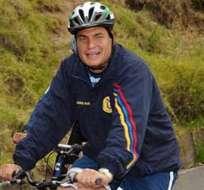 Rafael Correa: El economista en bicicleta