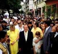 Noboa acaba de sufragar y asegura ser el nuevo presidente