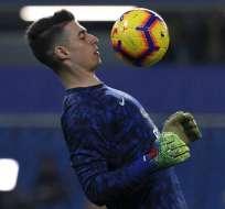 El entrenador del Chelsea aseguró que el portero iniciará uno de los próximos dos partidos. Foto: ADRIAN DENNIS / AFP