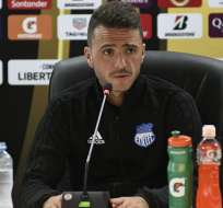 El entrenador de Emelec fue autocrítico tras el empate 0-0 ante Huracán por Libertadores. Foto: API