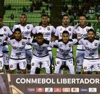 El conjunto peruano perdió 2-1 en la vuelta con Caracas, pero pasó con un global de 3-2. Foto: RONALDO SCHEMIDT / AFP
