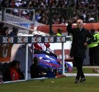 El entrenador respondió a la pregunta sobre por qué no es titular Andrés Chicaiza. Foto: API