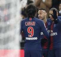 PSG celebra uno de sus nueve goles