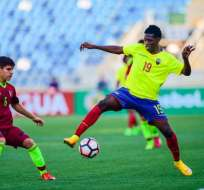 Santiago Micolta, con la selección nacional sub 20.