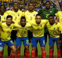 La selección ecuatoriana durante un cotejo oficial.