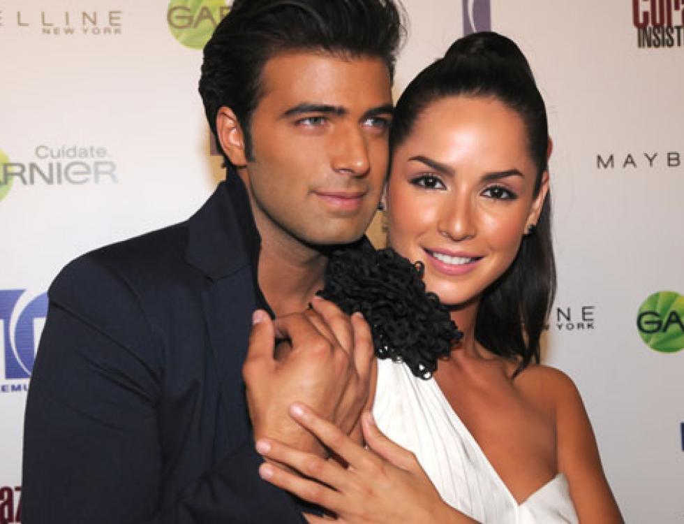 "Con su pareja en la telenovela ""Mi Corazón Insiste"", Carmen Villalobos."