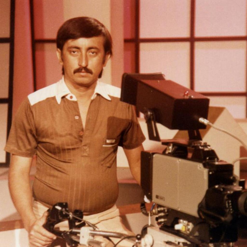Camarógrafo del segmento de noticias de Ecuavisa.