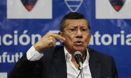 El presidente de la FEF se mostró enérgico ante las sospechas de Xavier Burbano. Foto: API