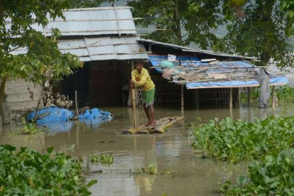 Lluvias dejan 145 muertos en Bangladesh y hacen temer brotes de enfermedades