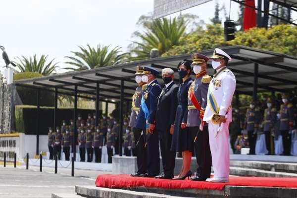 Vicepresidenta Muñoz destaca trabajo del Ejército durante la pandemia