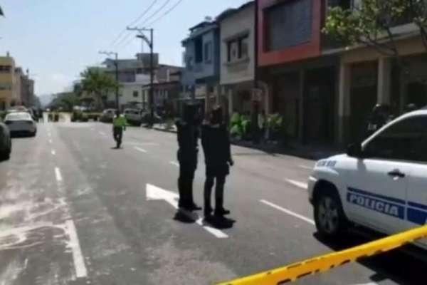 Un fallecido y un herido tras persecución en centro de Guayaquil
