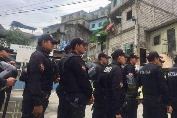 Policía interviene el cerro Las Cabras en Durán, considerado centro de acopio de droga