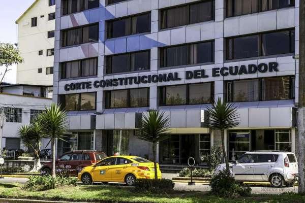 Caso Sobornos: sentenciados van por último recurso en Corte Constitucional