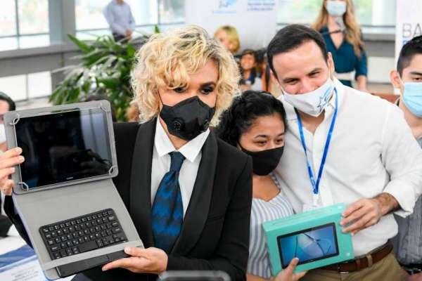 Municipio de Guayaquil reduce entrega diaria de tablets por contagios
